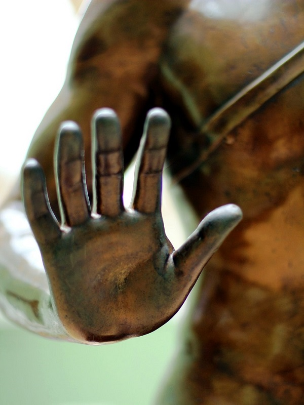 KMS Modul Hand Statue